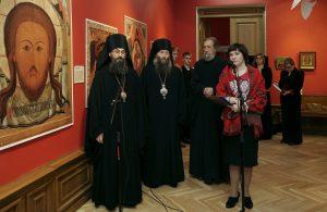 """На открытии выставки """"Дивен Бог во святых Своих!"""" во Владивостоке. 24 декабря 2013 года."""