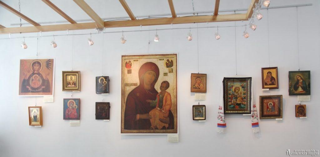 """Выставка """"Дивен Бог во святых Своих!"""" в Кавалерово"""